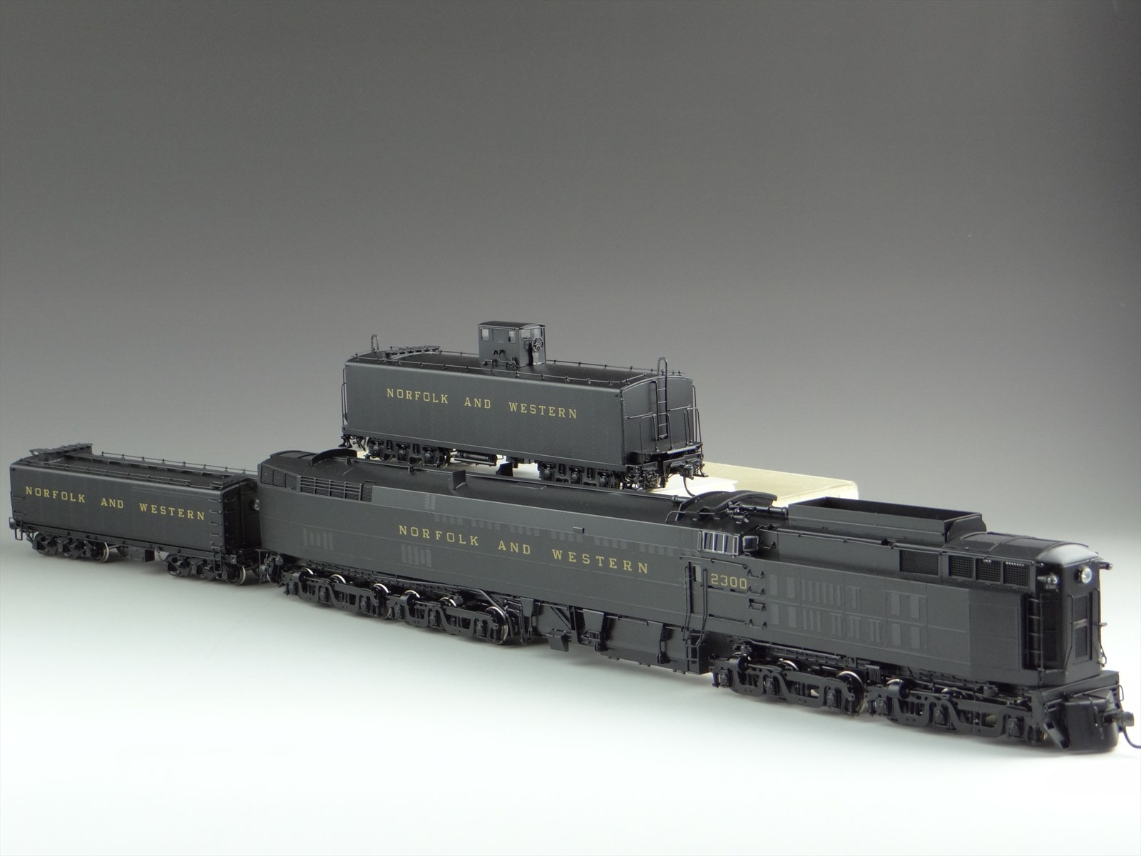 Division Point DP-0810 - NORFOLK & WESTERN, 6-6-6-6, Steam Turbine - Jawn Henry.2 w. aux. tender.11