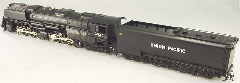 Key 106 - UP 4-6-6-4 Challenger, black, coal tender, smoke deflectors, CS No.106, UP No.3943 (1993 run).03
