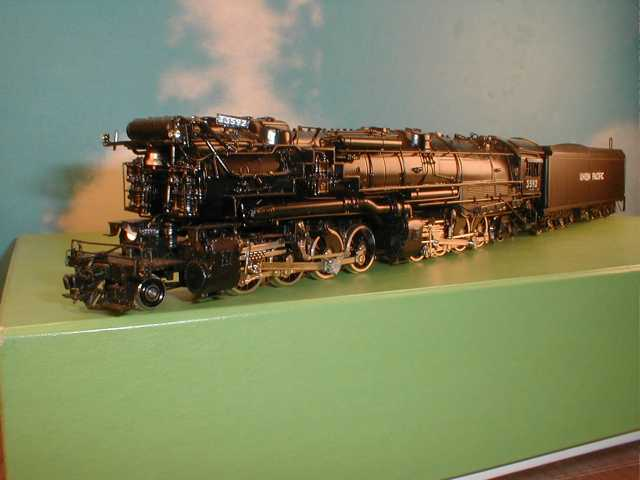 Overland 1551.1 - 2-8-8-2 UP version of C&O H7a, raised tank in front - UP No.3592, Imported 93-05