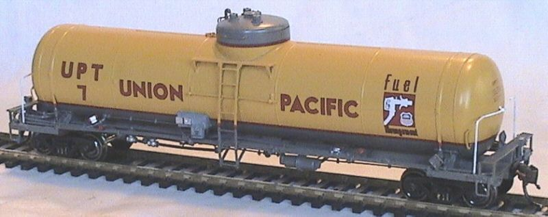Overland 3351.1 - UP 20,000 Gallon Diesel Fuel Tender, Union Pacific - Fuel Management, No. UPT 7.1