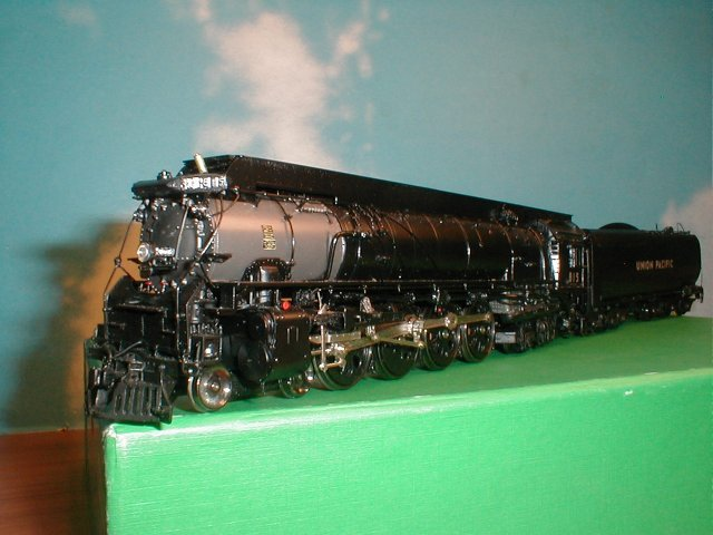 Overland 4537.1 - FEF-1, 4-8-4 UP Nr.815, Coal, Special Skyline Casing, Semi-Vanderbilt Tender.20