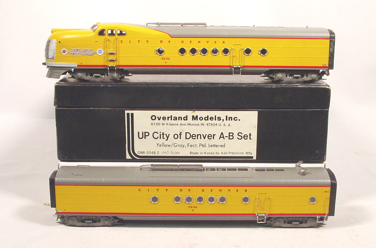 Overland 5548.2 - Union Pacific - Chicago North Western, City of Denver A-B Set, Yellow-Gray, FP,03