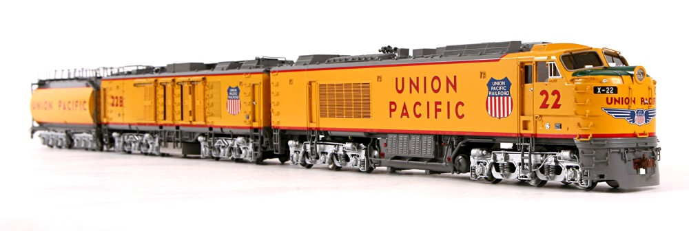 Overland 6572.1 UNION PACIFIC 3-unit GAS TURBINE, low air intakes on B-unit, Nr.22.11