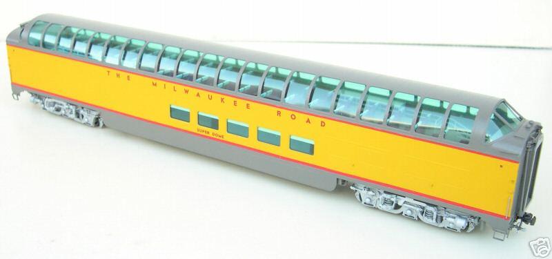 Railway Classics MILW09R-57 - Super Dome, Milwaukee Road, 1957 paint.02