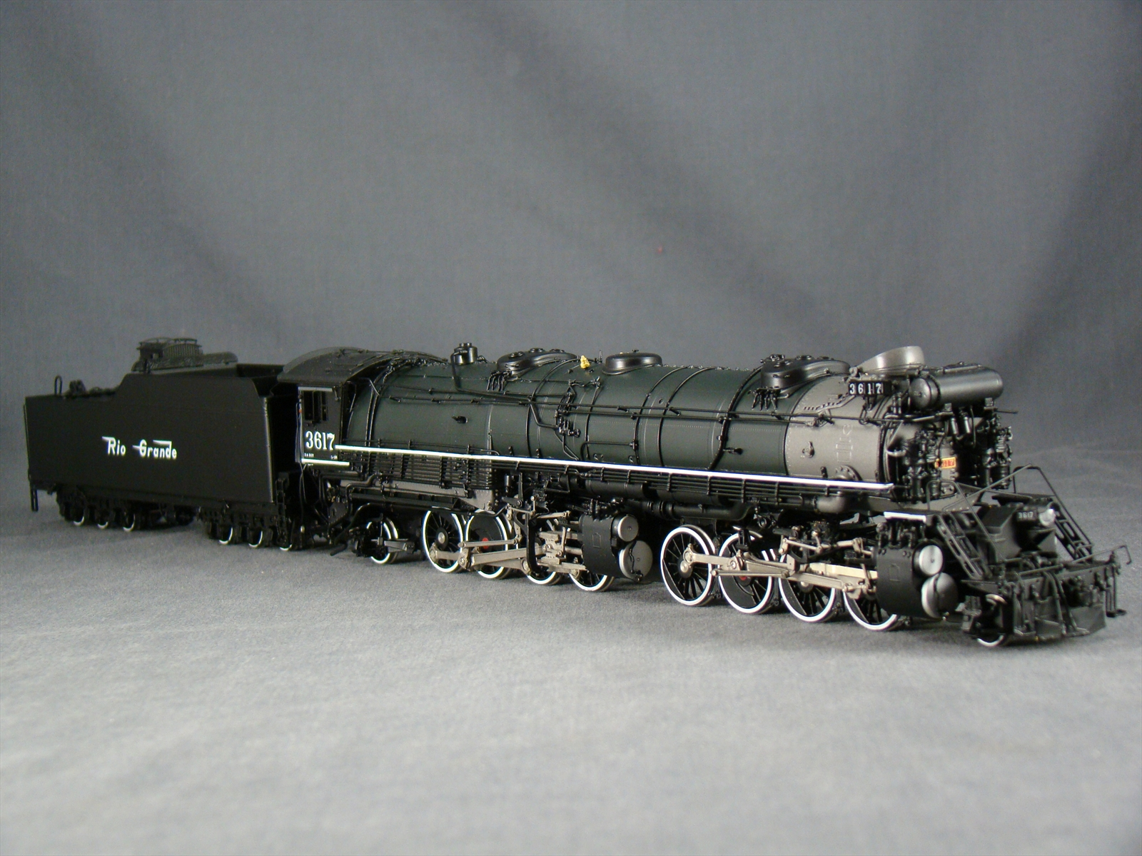 W&R - L-132, 2-8-8-2, D&RGW, Version 2, green boiler, No.3617 (Samhongsa).01