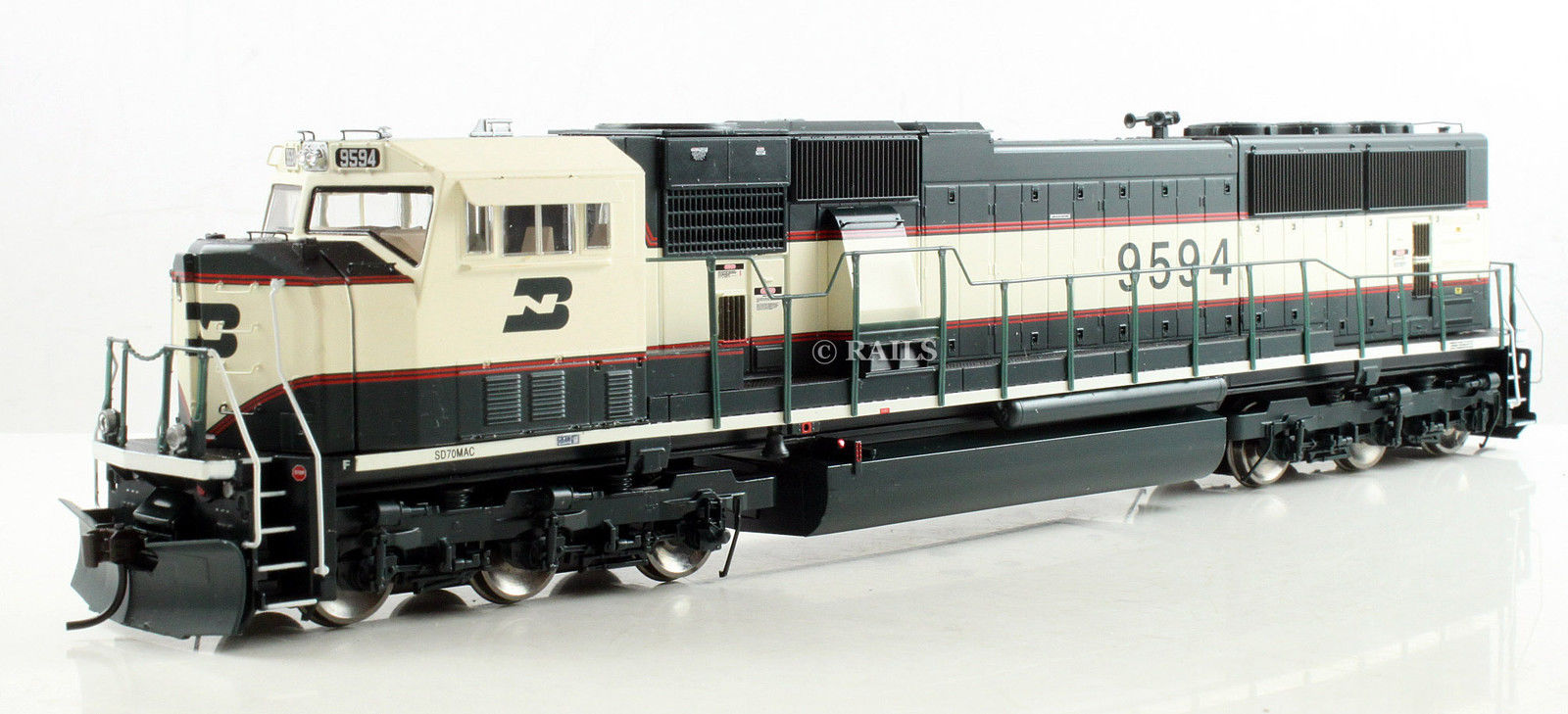 Athearn Genesis 6432-34 - SD70MAC, Phase IV, BN-Executive, No.9594