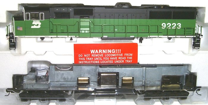 Life Like 30158 - SD60M, BN green, with BNSF letters BELOW CAB, No.9223