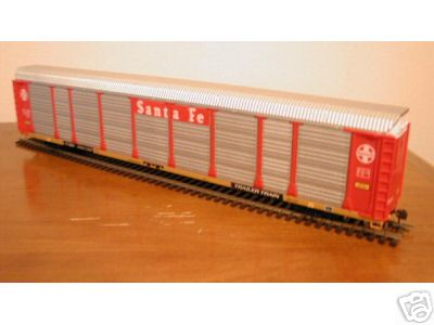 Walthers 4813 - Thrall 89' Bi-Level Enclosed Auto Carrier, ATSF