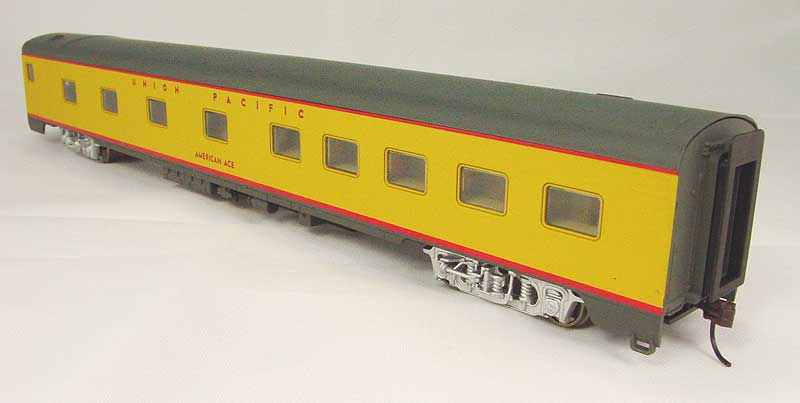 Walthers Rivarossi 6736 - UP Streamlined Cars - Standard Yellow Scheme 1950s-71, 10-6 Pullman Sleeper 'American Ace'.1