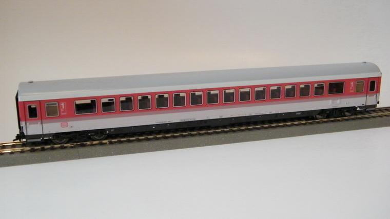 Roco 44649 - Apmz 117.2, Grossraumwagen, DRUCKERTUECHTIGT, IC-Farbgebung Doppelstreifen