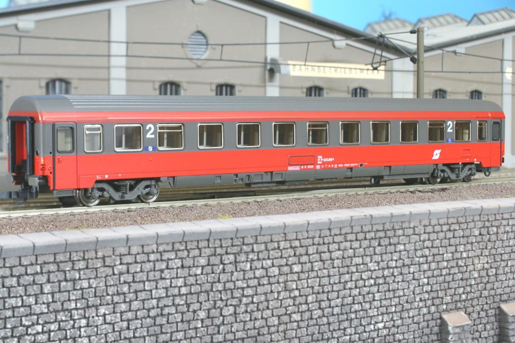 Roco 44666 - Bmz, OeBB, EUROFIMA, 2. Klasse, neue Farbe grau-verkehrsrot