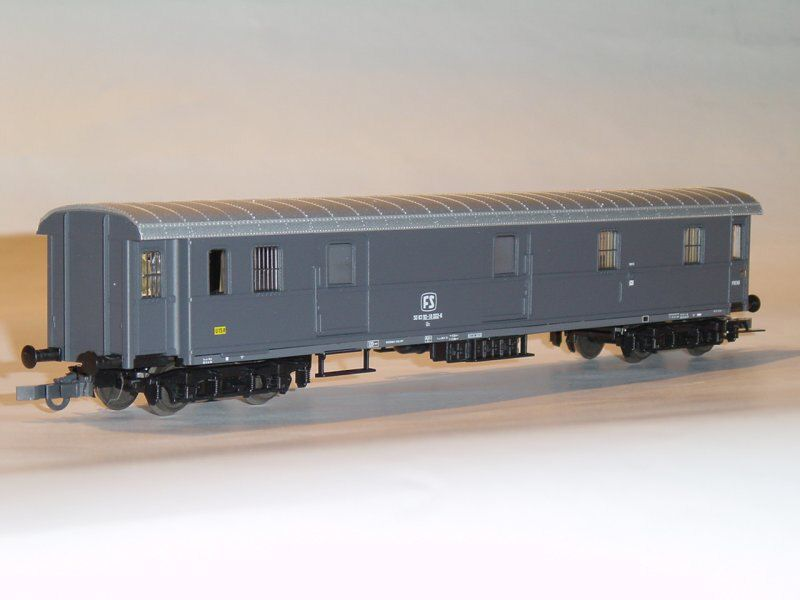 Roco 44697 - FS, Bauart 1300, Postwagen, grau, ohne Faltenbalge