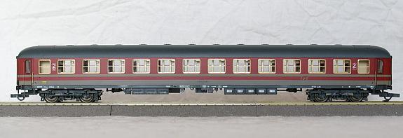 Roco 44738 - FS Italia UIC X 2. Kl., rot-grau.2