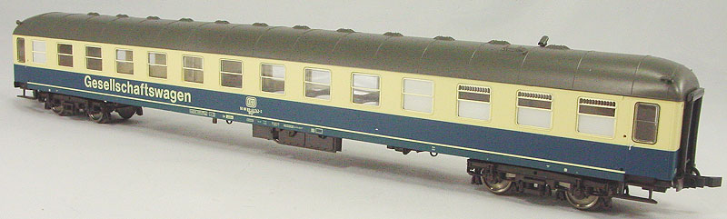 Roco 44739 - WGyl 841, SOS 2000, Gesellschaftswagen, o-b, Umbau aus Mitteleinstiegswagen Ayl.02