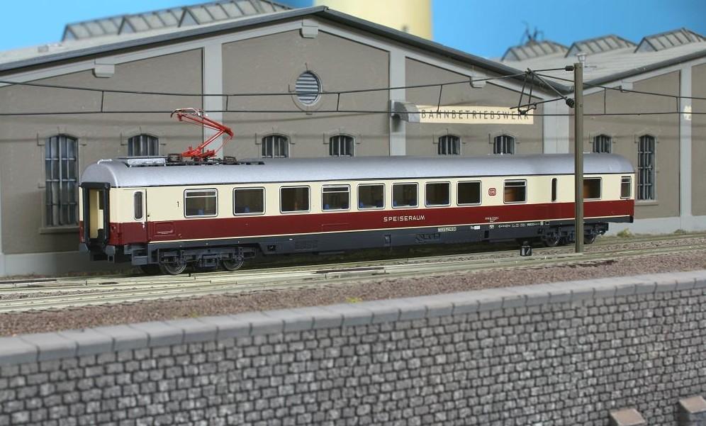 Roco 44751 - ARmz 211, InterCity Speisewagen 61 80 84-73513-2, DB Ep.4