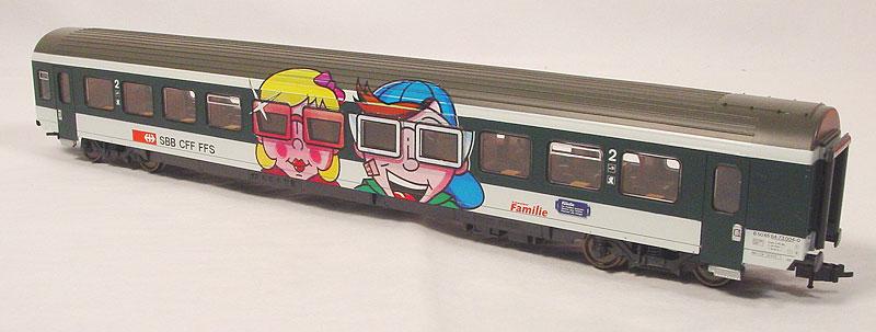Roco 44889 - EW IV, Familenwagen mit zwei Kindergesichtern fast mitig.2
