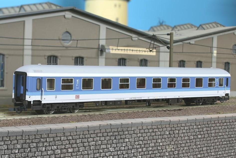 Roco 45050 - Aimz 261.4 (258), IR Farbgebung, 1. Klasse, blau-lichtgrau, DB AG-Keks.1