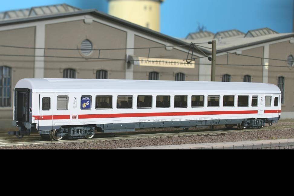 Roco 45230 - 291.8 Bpmbkz, IC weiss, 2. Klasse mit Snackpoint, roter Streifen unter Fenstern mit DB AG