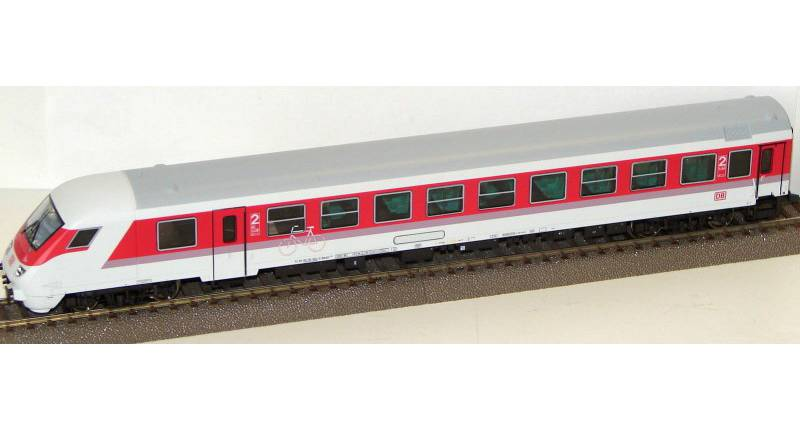 Roco 45260 - Bimdzf 269.2, IC Farbgebung, STEUERWAGEN, 2. Klasse, DB AG-Keks, offene Kupplungsklappe an Front