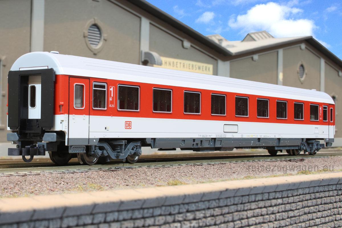 Roco 45268 - Avmz 107, IC Verkehrsrot, 1. Kl. Abteilwagen, DRUCKERTUECHTIGT, DB AG-Keks