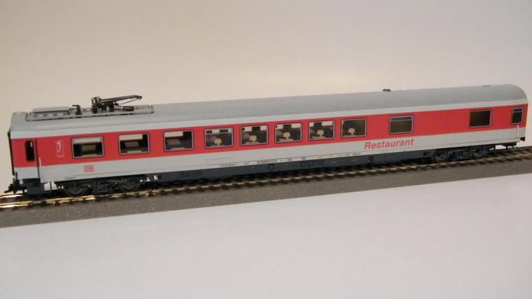 Roco 45269 - ARmz 211, IC Verkehrsrot, Halbspeisewagen-1. Kl., 'RESTAURANT', MIT Pantograph, NICHT druckfest, DB AG-Keks