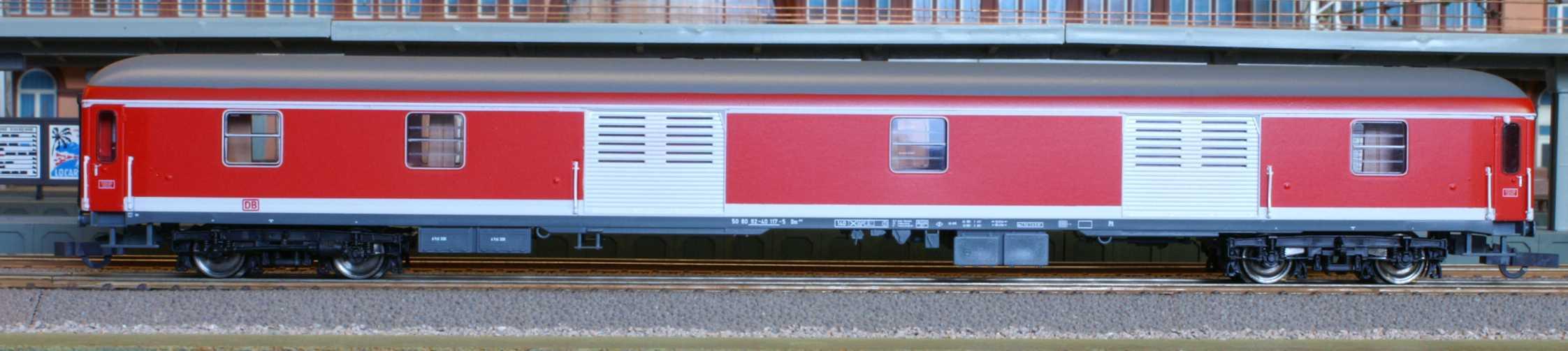 Roco 45275 - 920 Dm, IC Verkehrsrot, Gepaeckwagen, Rollos hellgrauDB AG-Keks.2