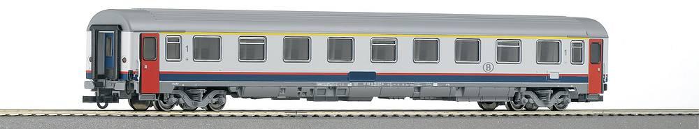 Roco 45400 - Amz, SNCB, 1. Klasse, Eurofima, weiss-grau, Tueren rot, ueber Boden Streifen rot-blau, gelber 1. Kl. Streifen