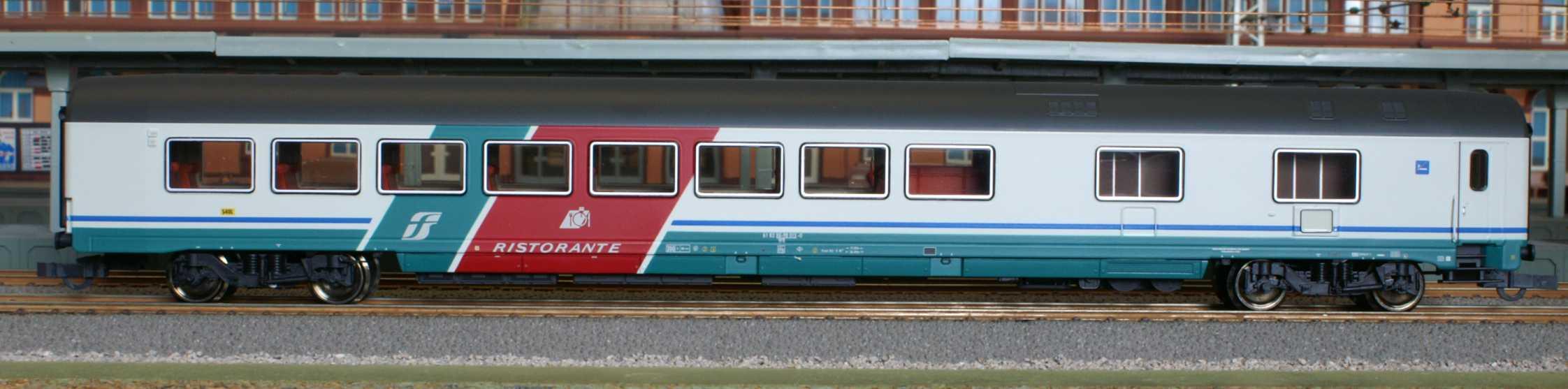 Roco 45628 - FS WR in neuer Farbgebung, grauweiss-tuerkis, Dach grau.1