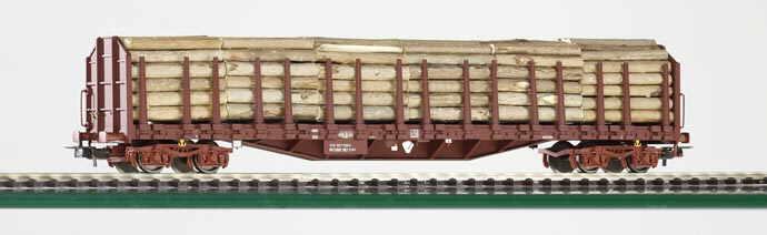 piko-i54334-4-sncf-r-58-6-holztransportwagen-4-achs-mit-rungen-und-hohen-stirnwaenden-braun-mit-rundholzladung-6-buendel