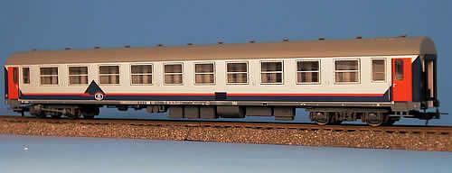 Heris 12125 - Belgischer I4 AB Reisezugwagen, Memlingausführung, 1.-2. Klasse klimatisiert.2