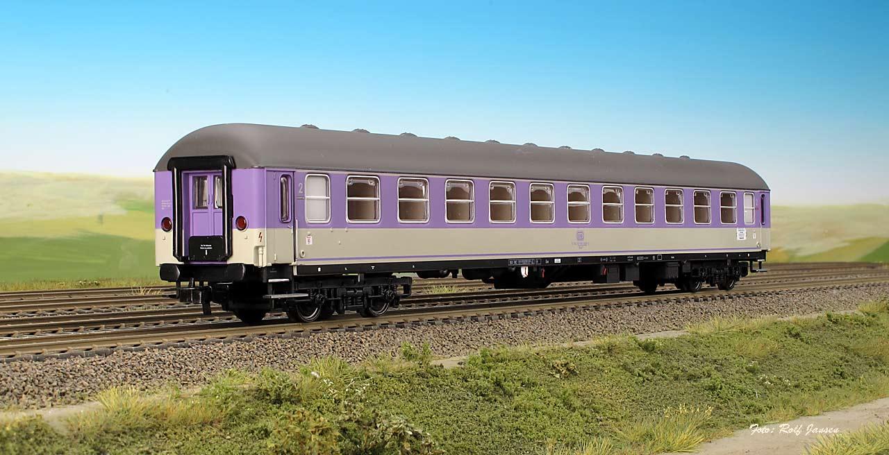 Heris 11305 - Liegewagen der DB, 2. Klasse, Bcm 243, ´Pop´ violett-lichtgrau, Epoche IV.1