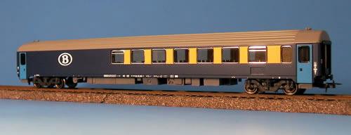 Heris 12032 - I10 Resto-Umbauwagen, SNCB, B-Logo