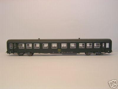 Heris 14015 - USI Reisezugwagen 2. Klasse, gruen, Epoche IV