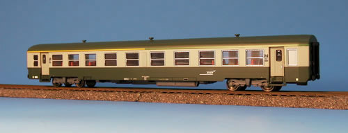 Heris 14032 - Y28, A2t2B2t3, USI Reisezugwagen, SNCF, 1.-2. Klasse, gruen-grau
