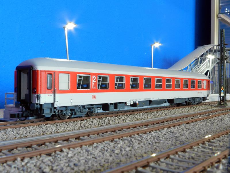 LS 46022 - Liegewagen Bvcmz 248.1, rot-lichtgrau, AutoZug