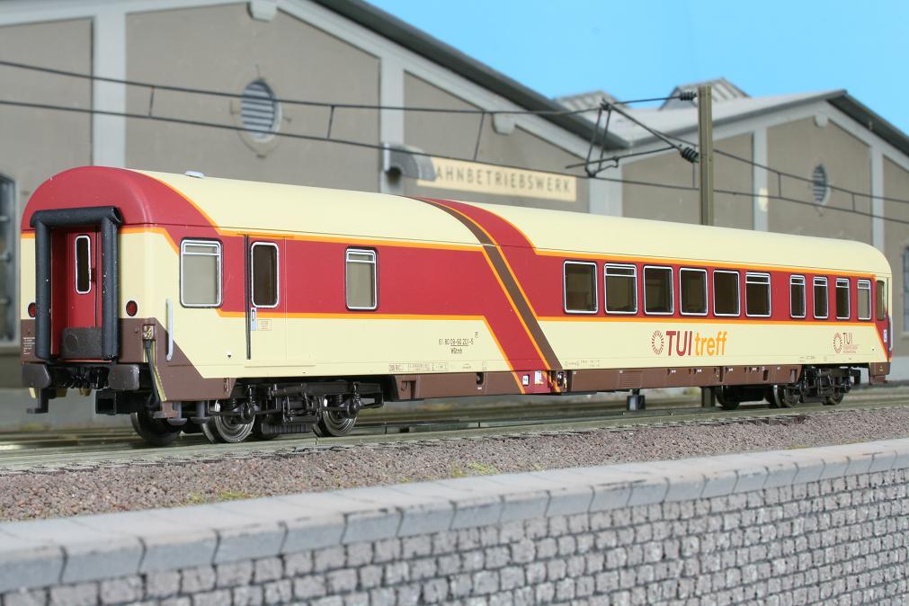 LSM 46003 - Set 1 Treff- und 1Liegewagen TUI.2