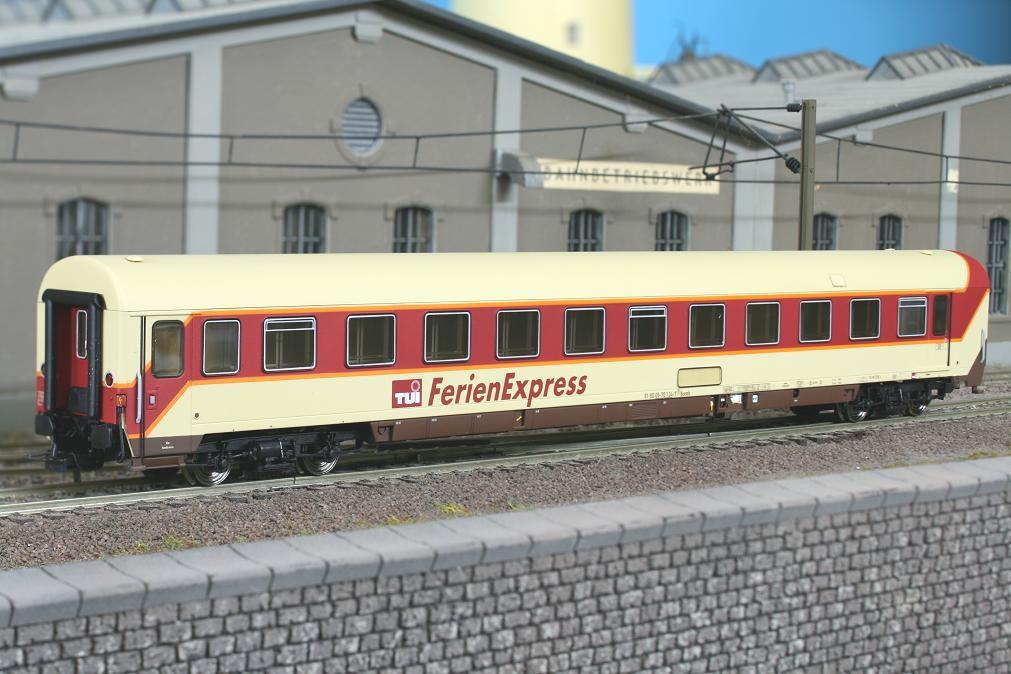LSM 46007 - Set 6 Liegewagen, beiges DACH, neues Logo TUI.1