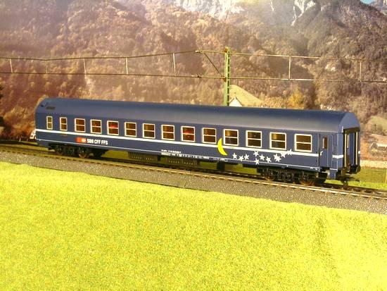 LSM-RIV 5658 - SOS LS-Models 1998, SBB, Schlafwagen, blau-blaues Dach, mit Mond in gelb und Sternen in Weiss, Sonderserie von LMS-Belgien 1998.2