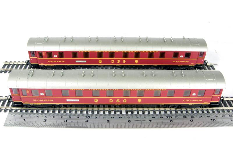 liliput-382801-dsg-schlafwagen-rot-wagennr-11-12-epoche-iii-set-2-wagen-4