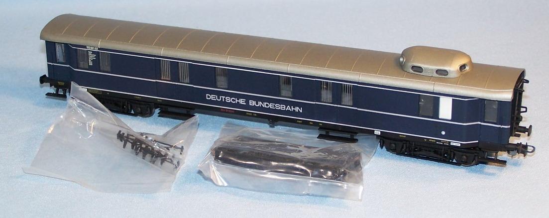 liliput-383-911-ep-3a-packwagen-mit-stromlinienkanzel-blau-deutsche-bundesbahn-in-silber-rheingold-rheinpfeil-2