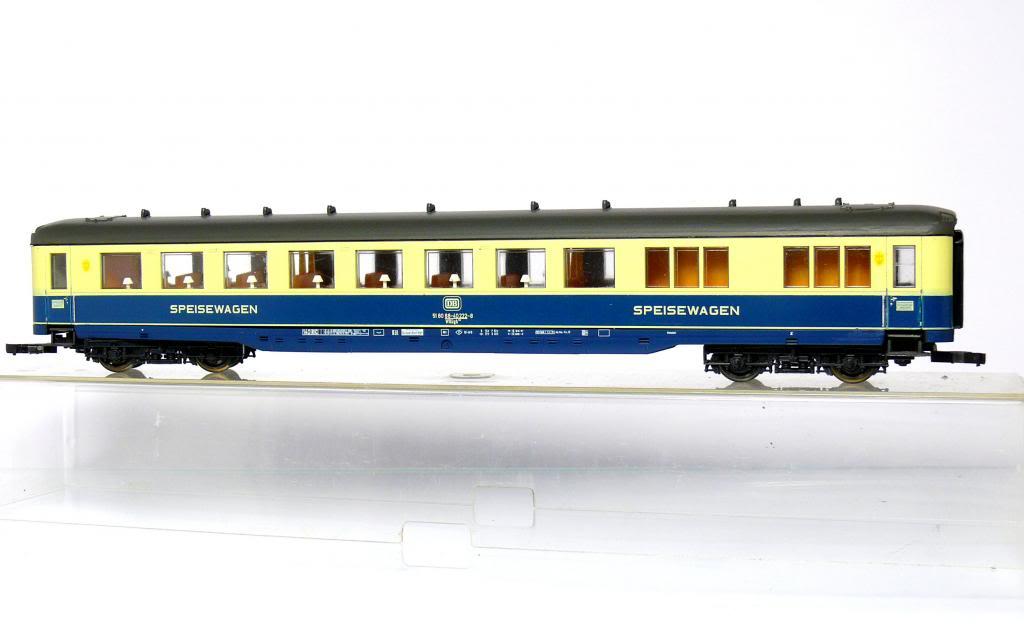 liliput-836-04-schuerzen-speisewagen-ozeanblau-beige-ep-4