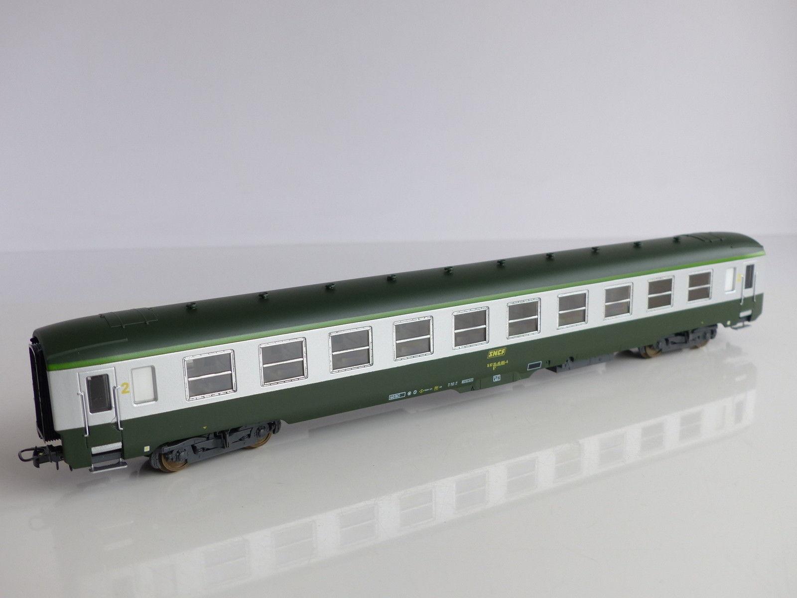 lima-309373-sncf-dev-ao-b10-2-klasse-sitzwagen-gruenalu-c160-gelbe-2-kl-ziffer-gruener-streifen-am-dach