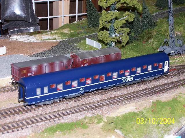 Rivarossi 3618 - T2, SNCB, Doppelstockschlafwagen, blau, weisse Tueren, TENight