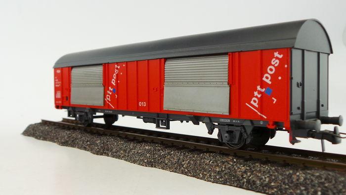 Roco 46281 - Grossraumpostwg. Nr.039, rot, grau = Dach-Stirnwaende-Untergestell, PTT POST, bunte Punkte, NS.3