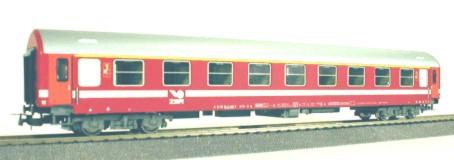 Xenia 74662 - Y-Wagen, 1.Kl. ZSR (Slowakien), rot m. weissem Streifen, Ep.V. (Basis Sachsenmodell)