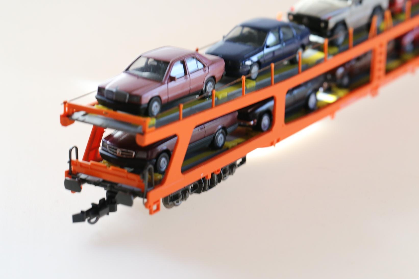 Roco 46461 - ÖBB Autotransporter, beladen.2