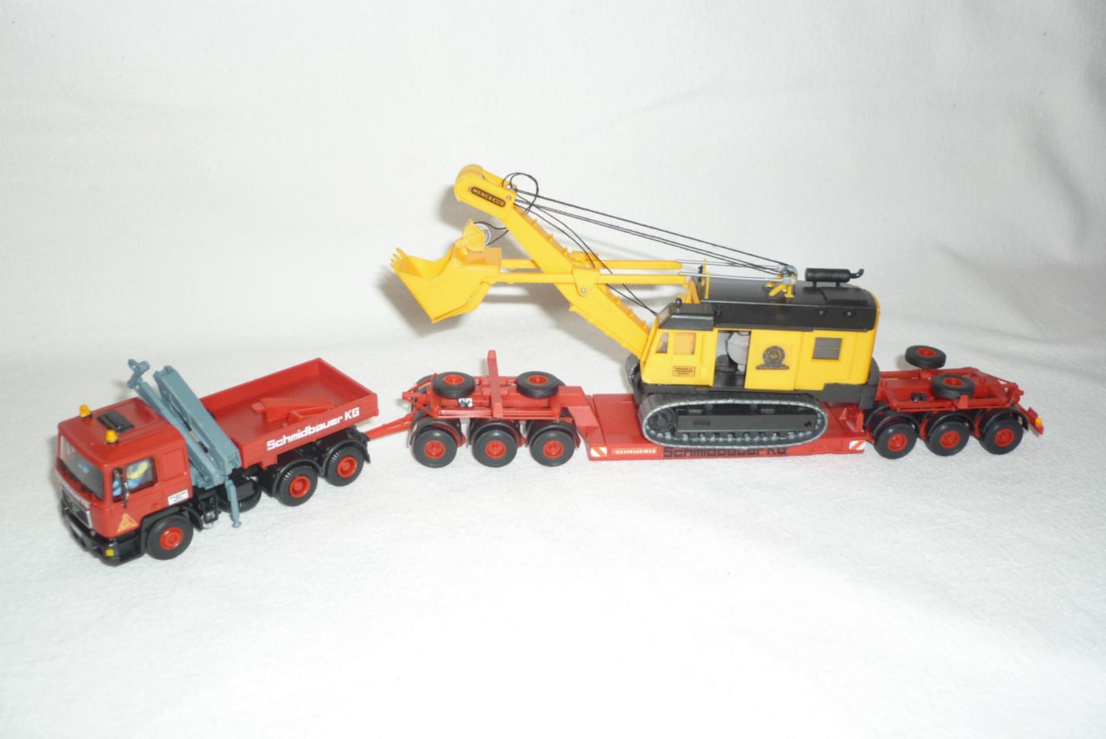 Kibri 10374 - MAN 26.362 Zugmaschine mit Tiefladeanhänger und Menk Hochlöffelbagger