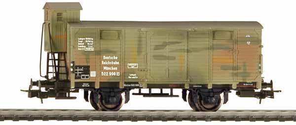 Liliput 221493 - Gedeckter Güterwagen, DR, Ep. II G10 mit Bremserhaus und Tarnanstrich.1