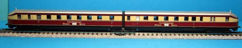 Kato 030705 - VT04, Fliegender Hamburger, rot-beige, 2.-3.Klasse, Seitenaufdruck 'Schnelltriebwagen Rhein - Main'