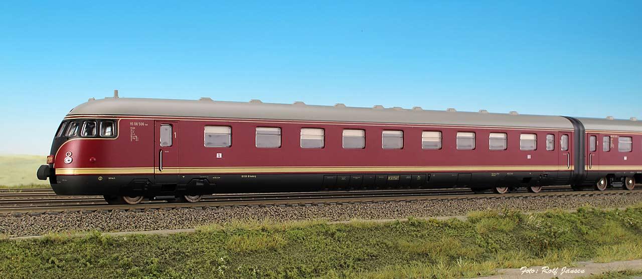 Lima 149820 - VT 08, 4-teiliger Zug, rot, 'HELVETIA',Ep.III.1